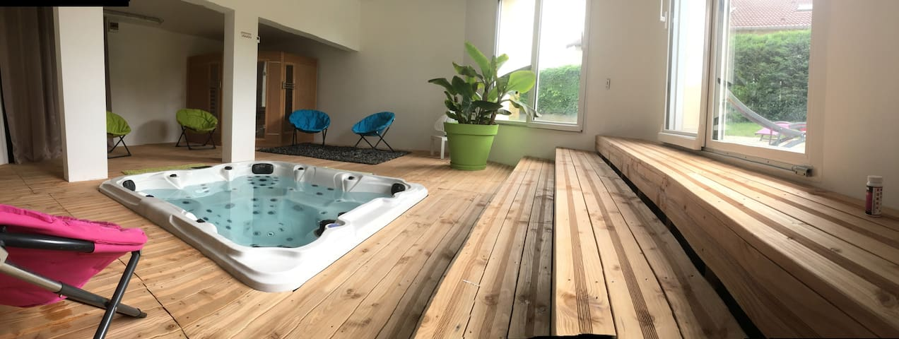 L'aquarium Attignéville cybevasion  SPA & sauna