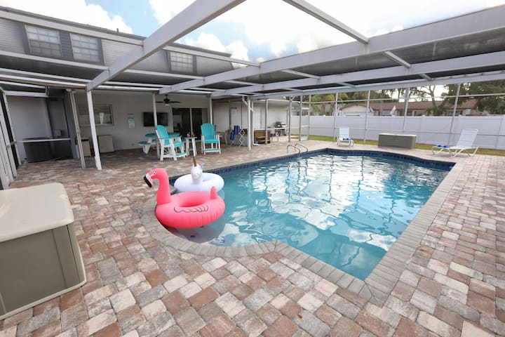 Living Large! 5/3-heated pool-spa-grill-boat ramp