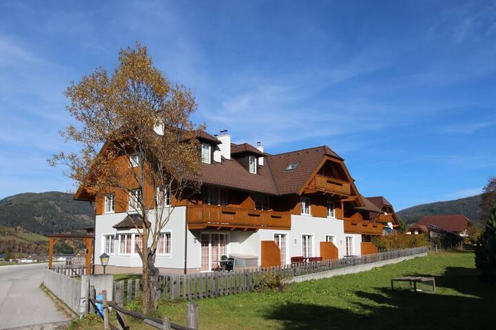Modern Apartment in Sankt Margarethen im Lungau with Garden