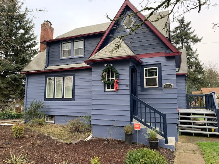 Spacious home near downtown Salem