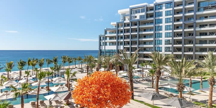 Cabo: Luxe 6-Night Oceanview Stay