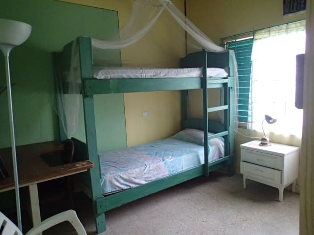 Cedar Ridge Lodge Inn - NUBIE - Shared Dorm