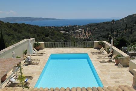 The Stone House, San Stephanos - Corfu - 별장/타운하우스