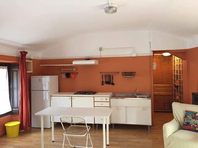 Monolocale in villa con piscina - Casatenovo - Apartamento