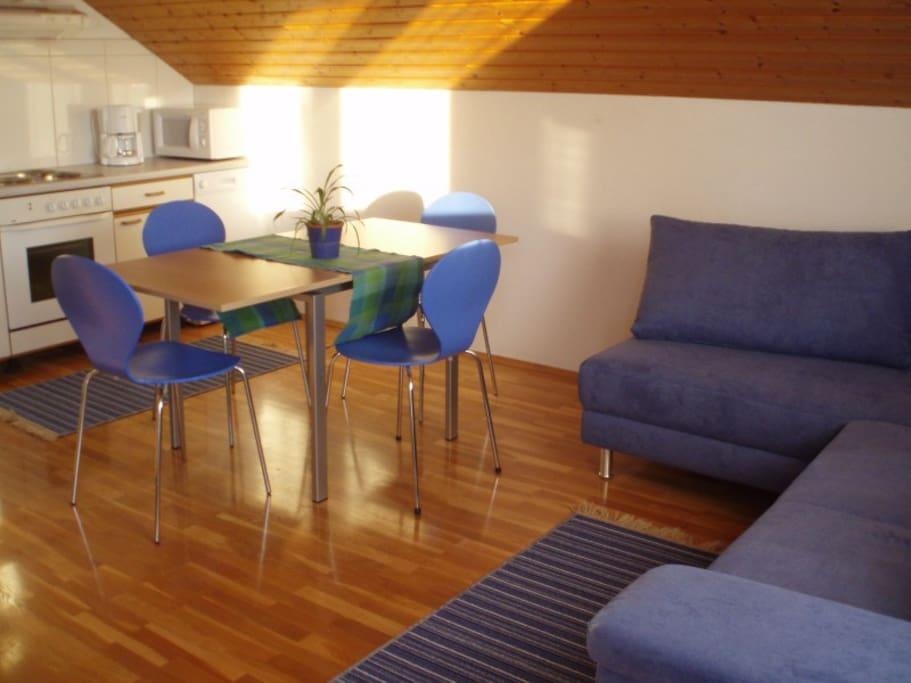Großzügiges Wohn-Esszimmer