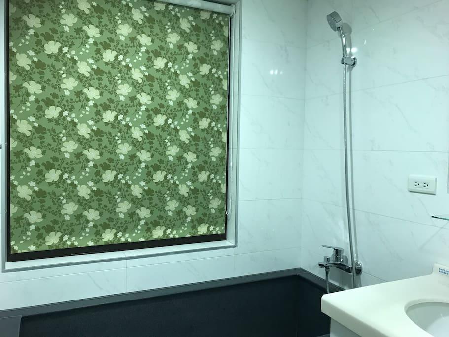乾溼分離的衛浴