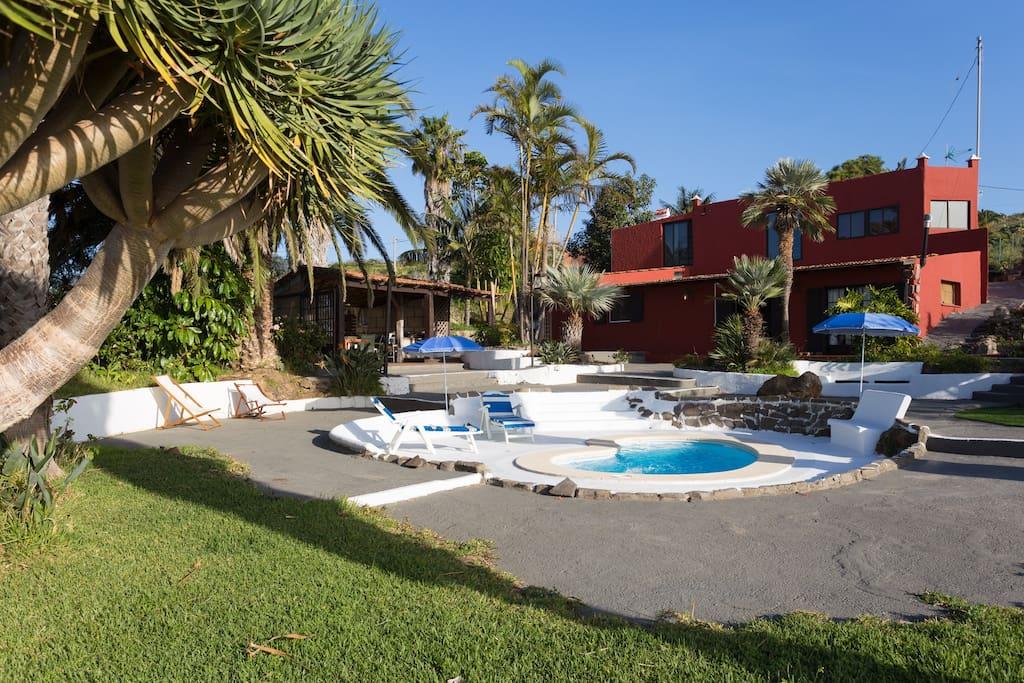 Villa tacoronte tenerife piscina privada casas en for Alquiler de casas con piscina privada que admiten perros