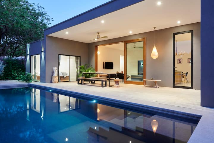 Casa Meleisea: luxurious stay at contemporary home