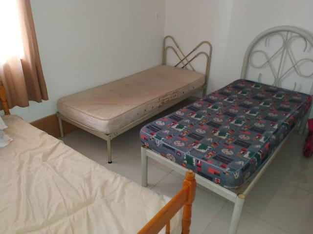 Casa até 09 pessoas em Corbelia 24 KM Cascavel