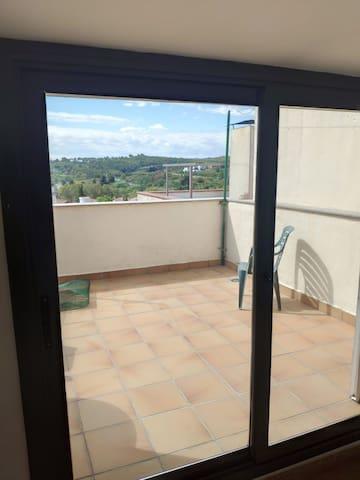 Habitación doble con terraza y baño privado