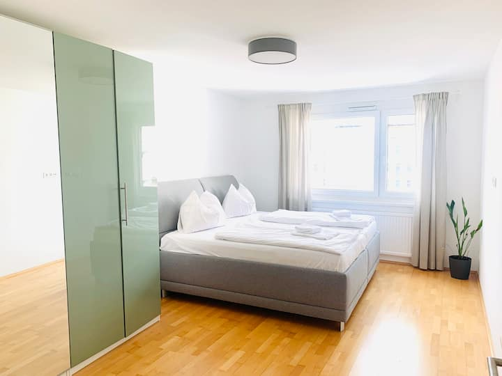 CENTRAL APARTMENT | kingsize bed | private parking