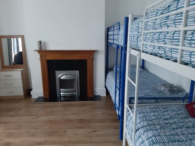 London Room for up to 4 people