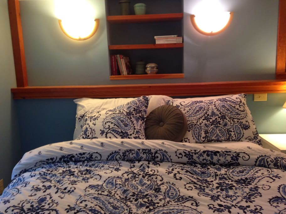King sized pillows! 100% Cotton Lux Sheets!