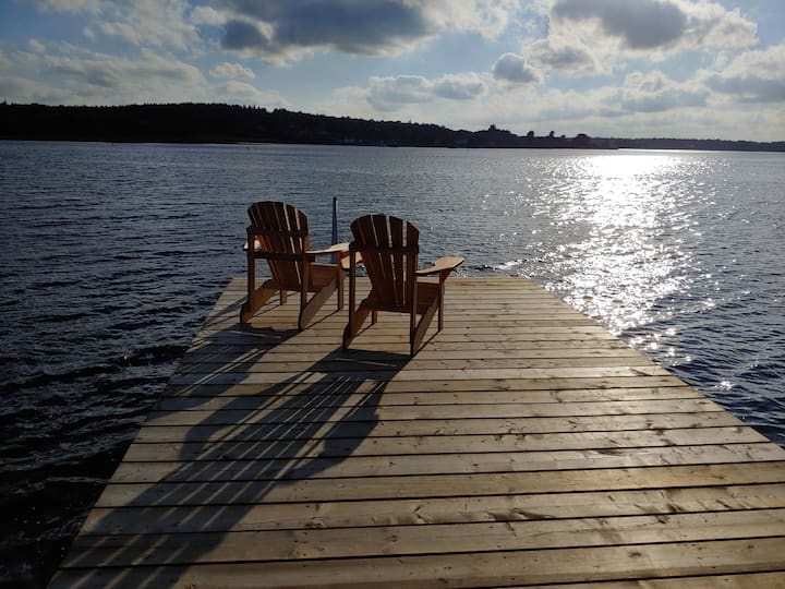 Colibri Cottage Sea View- 25 minutes to Lunenburg