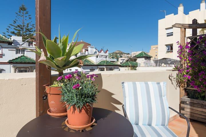 Hab. con baño y terraza privados - Malaga - Lägenhet
