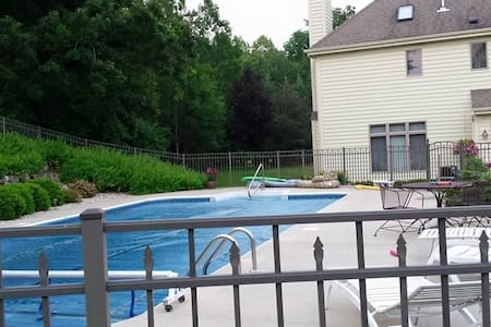 US Open Erin Home with Pool - Hartford - Ev