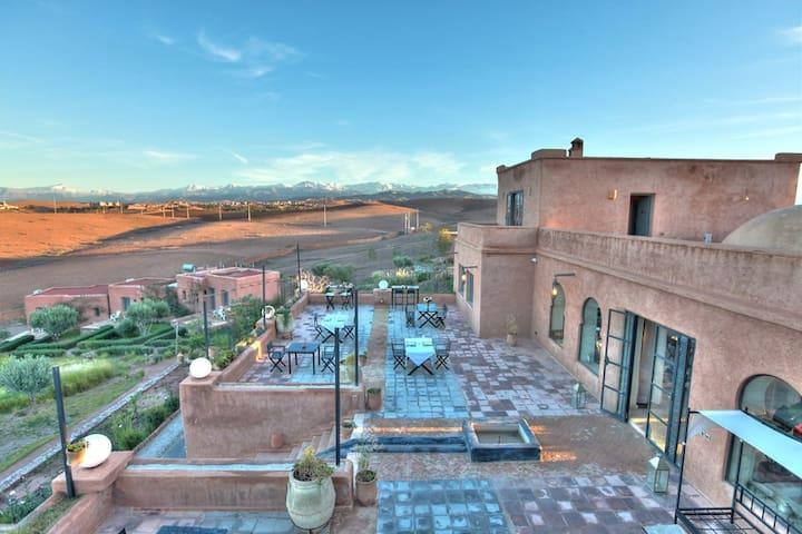 Voyagez à 4 et Payez moins cher en suite! - Marrakech - Bed & Breakfast