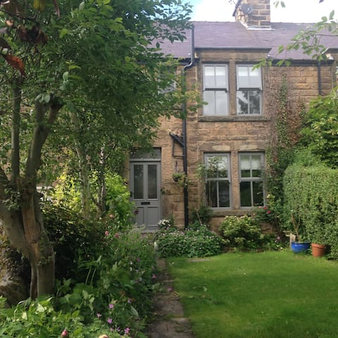 Traditional  Cottage near Bakewell - Baslow, Near Bakewell - Bed & Breakfast