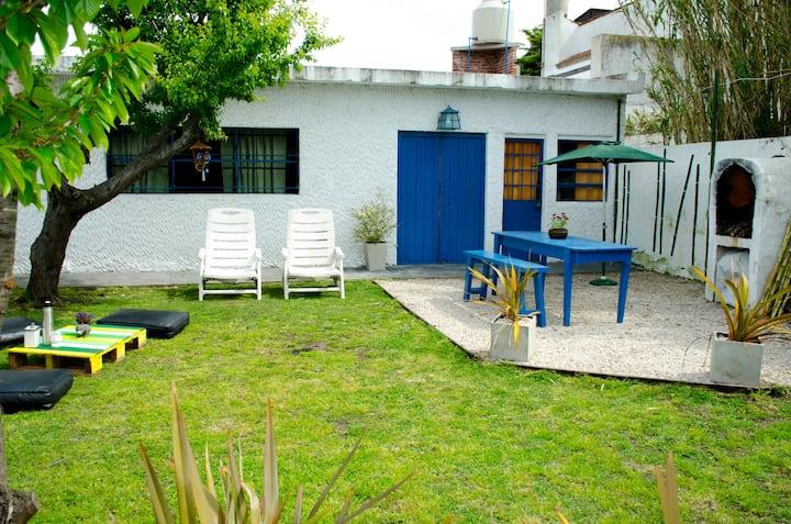 Casa playera con jardin