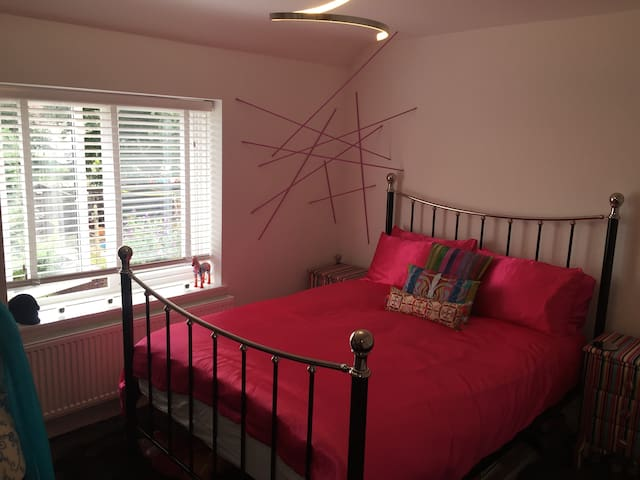 Stunning Kingsize Room in Chadwell Heath, Dagenham - Dagenham