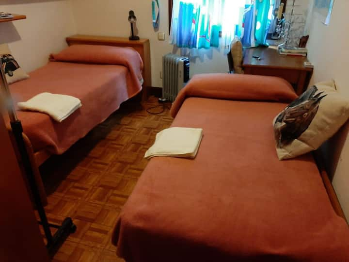 Bilbao Old Town 2 beds room. WiFi