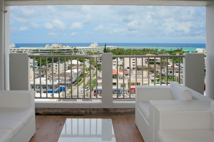 50㎡ Super Seaview Suite on Moon Beach 2double beds