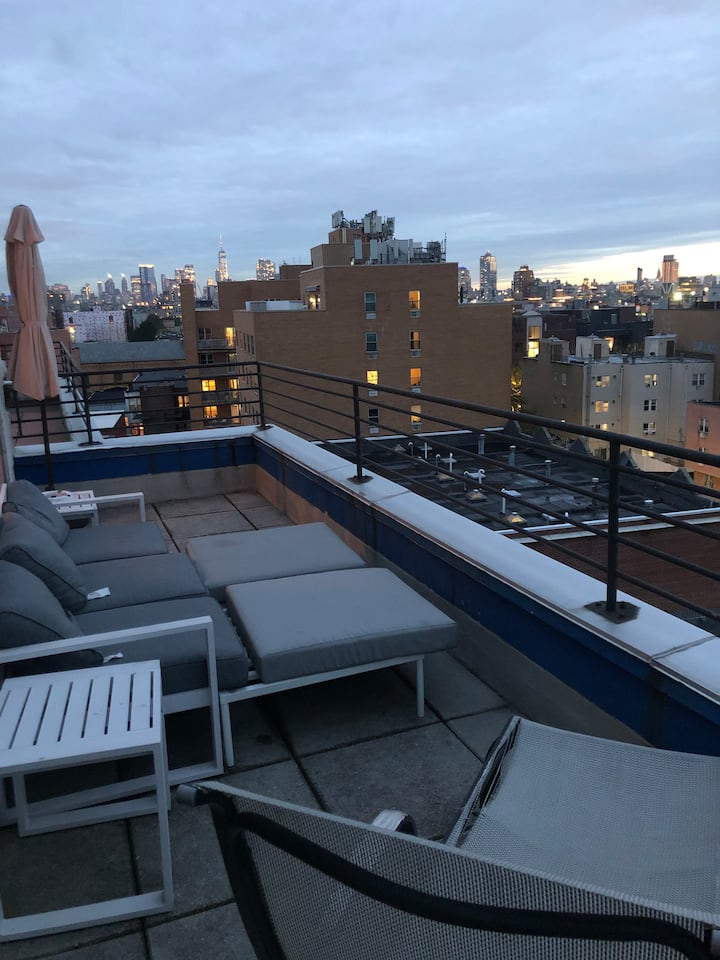 2 Private Rooms in 3BR/2BA Penthouse