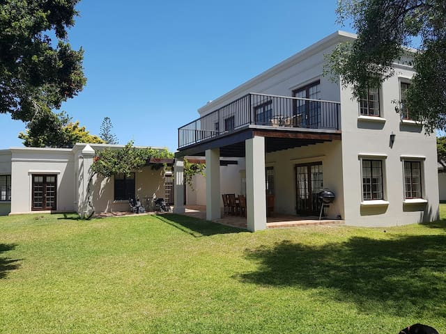 Kwaaiwater Home Newly Renovated - Hermanus - Hus