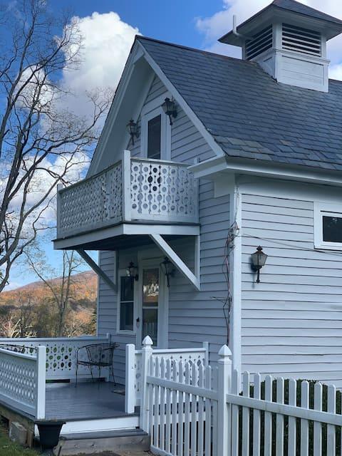 Honeymoon Cottage with Dog-friendly yard