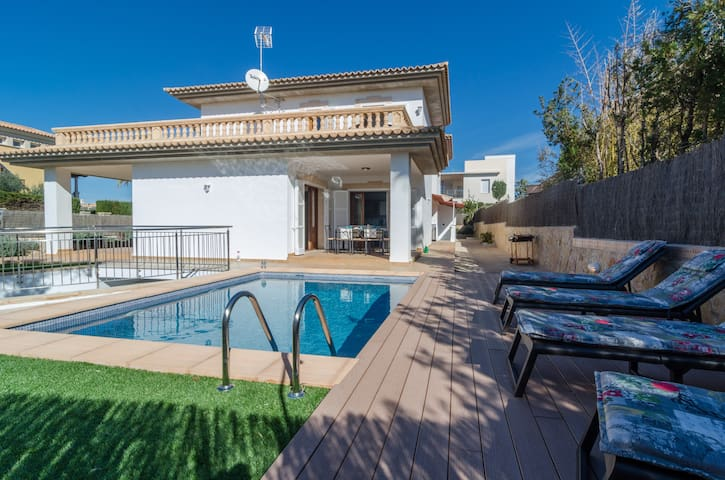 VILLA MARIA NOVA - Villa for 10 people in Son Veri Nou.