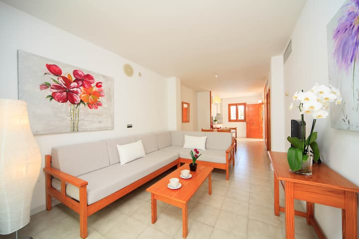 YourHouse Mar Brava beach apartments in Can Picafort, Mallorca North, family-friendly apartments with WiFi and AC