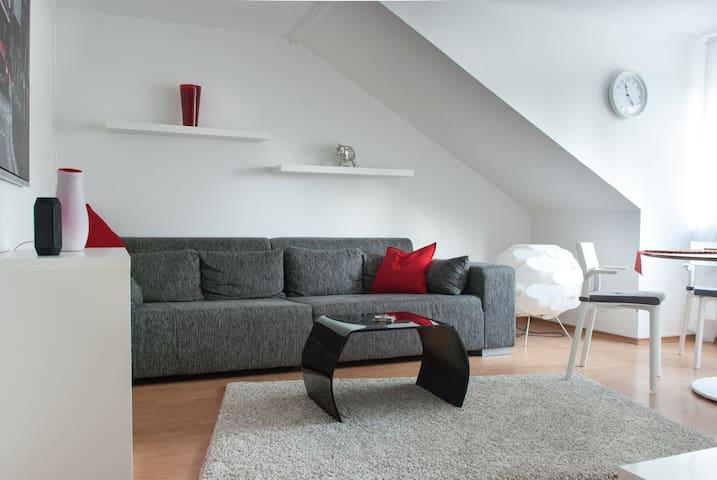 Zentrale Wohnung Frechen-Königsdorf - Frechen - Appartement