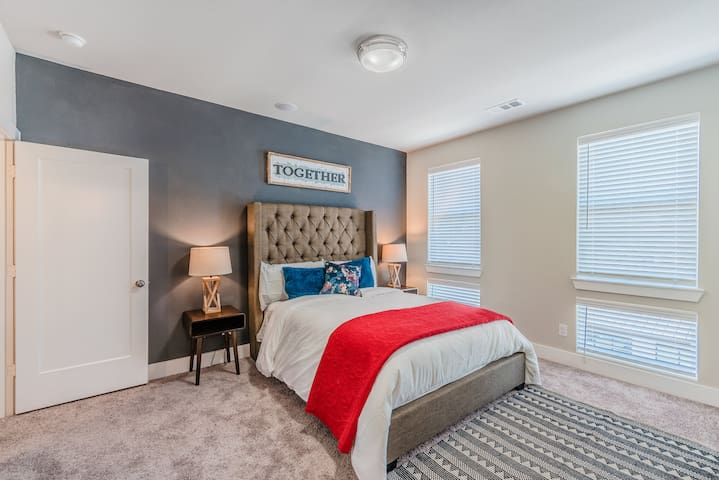 Trinity Townhouse 2 - Minutes to Downtown Dallas