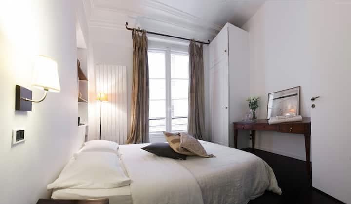 """Localizado no centro de Paris bem perto do """"Georges Pompidou Center"""""""