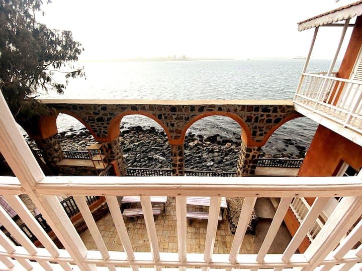 Gorée - Chambre XL avec vue sur la mer