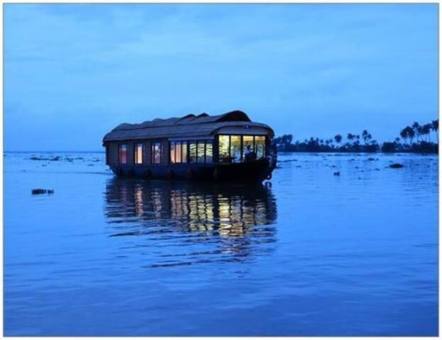 Thejas Houseboat Deluxe Two - Alappuzha - Båt