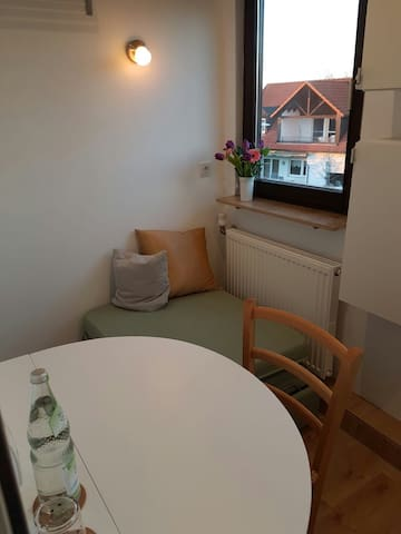 MICRO Apartment: Würzburgs kleinstes Zimmer :-)