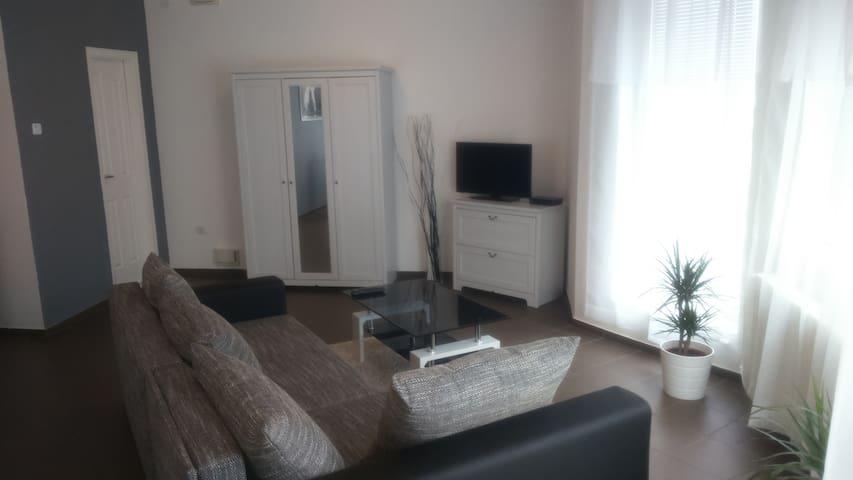 Solid Apartmans - Budapest - Casa