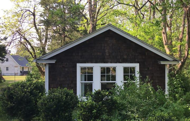Franktown Artist Cottage