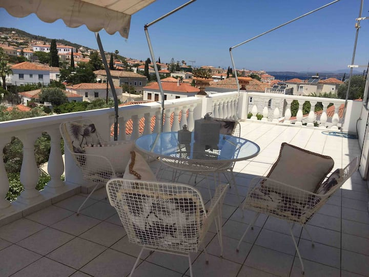 Traditional 3bedroom house with a magnificent view