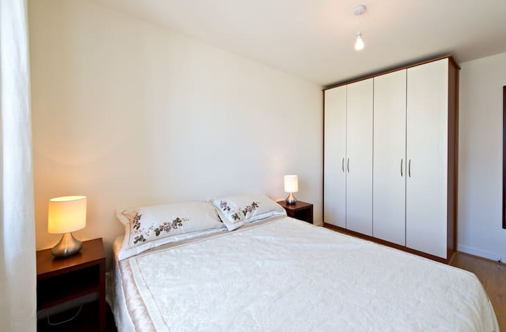 Modern Apt in City center close to Luas/Heuston