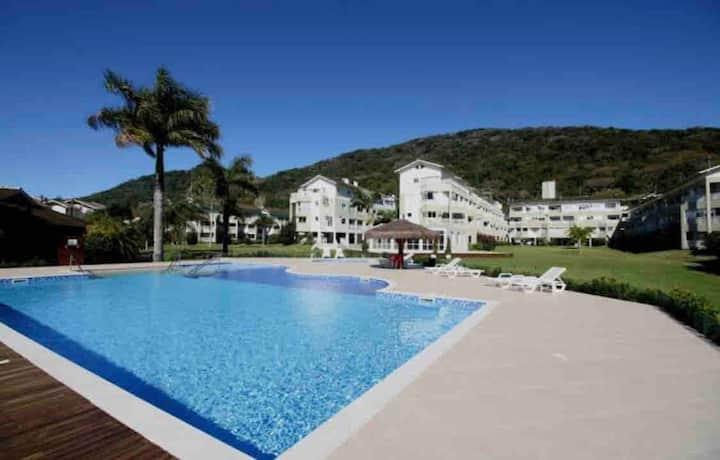Excelente apartamento no Resort Porto da Lagoa