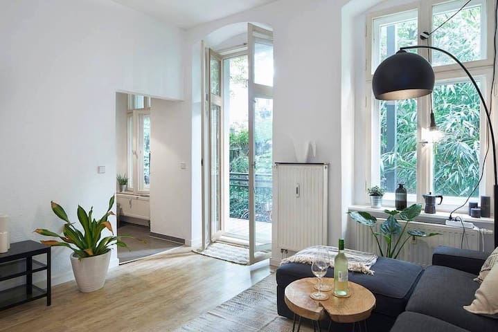 Beautiful & Very Central Berlin Apartment
