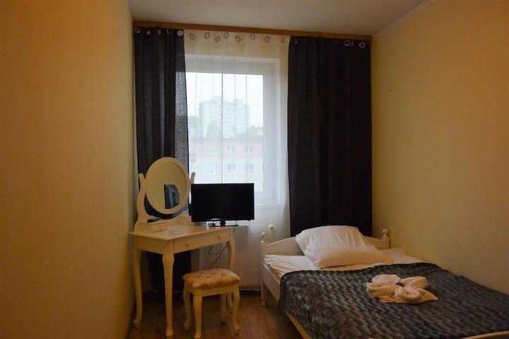 Hostel DV Gdynia - pokój 1-os z prywatną łazienką