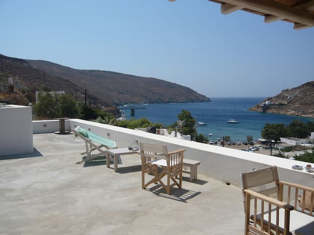 Traditional house near the sea, with amazing view - Serifos - Huis