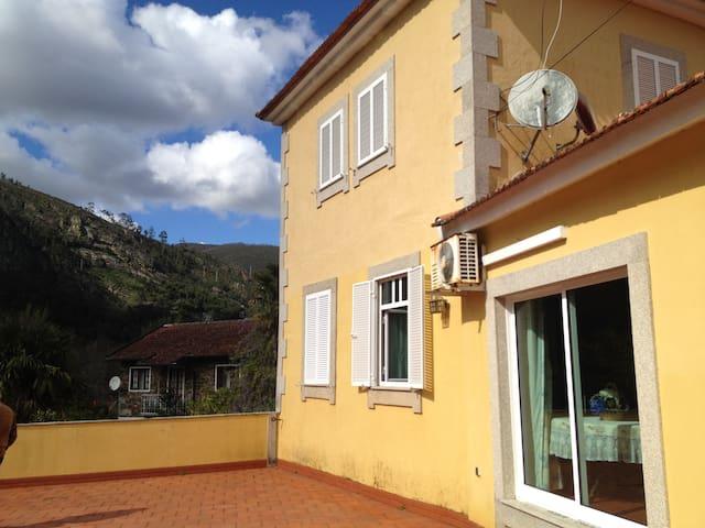 Casa Vieira Guedes.. - Raiva