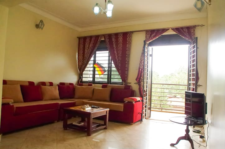 Apartment in Kampala with 2 balconys and BahaiView - Kampala - Byt