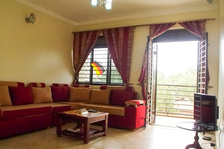 Apartment in Kampala with 2 balconys and BahaiView - Kampala - Daire