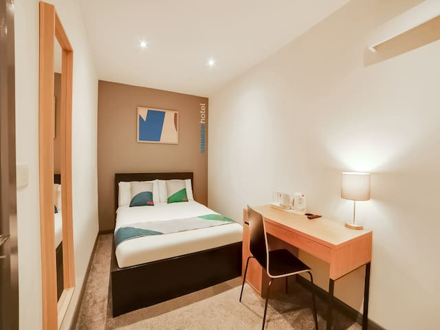 Double room-Ensuite-Compact