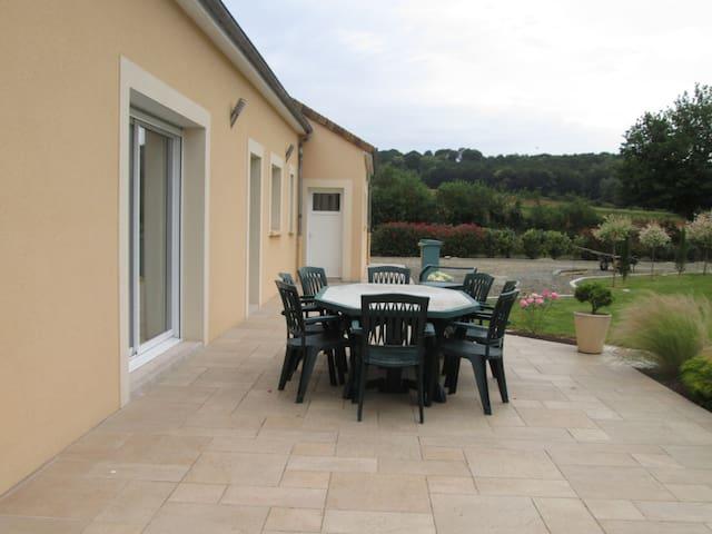 une chambre (voir plus) pour une escale au calme - Montfort-le-Gesnois - Maison